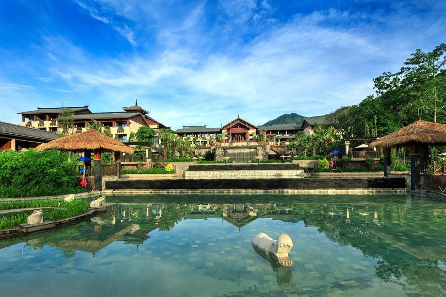 海南旅游拍婚纱照景点推荐——七仙岭温泉