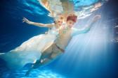 如何拍水下婚纱照 拍水下婚纱照注意事项