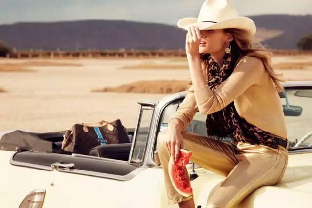 因为旅行装不够fashion,所以您的旅拍没有大片感