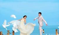 海景婚纱照穿什么拍好看