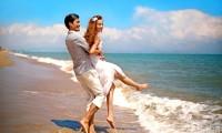 时下结婚三亚旅拍婚纱照 流行边玩边拍