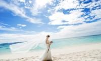 穿着婚纱去旅行 策划一场完美的旅游婚纱摄影