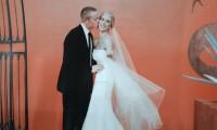 婚纱照中的表情对比和颜色对比