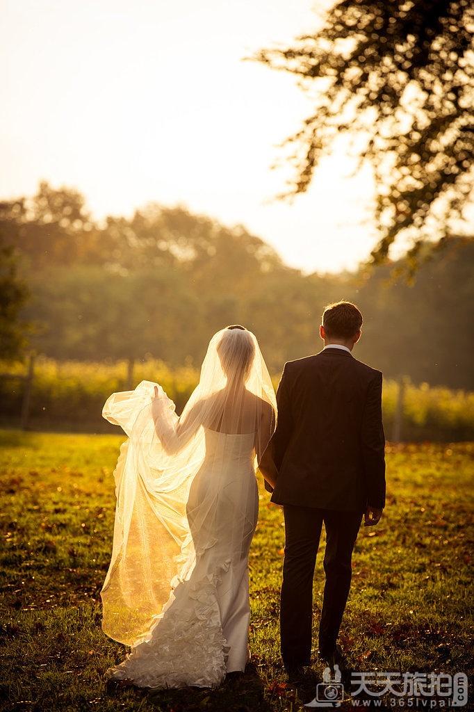 23个婚礼拍摄取景技巧 21-catching-sunlight