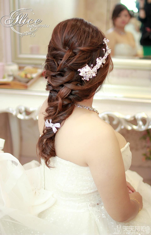 【新娘必读】宴客白纱进场新娘造型总整理