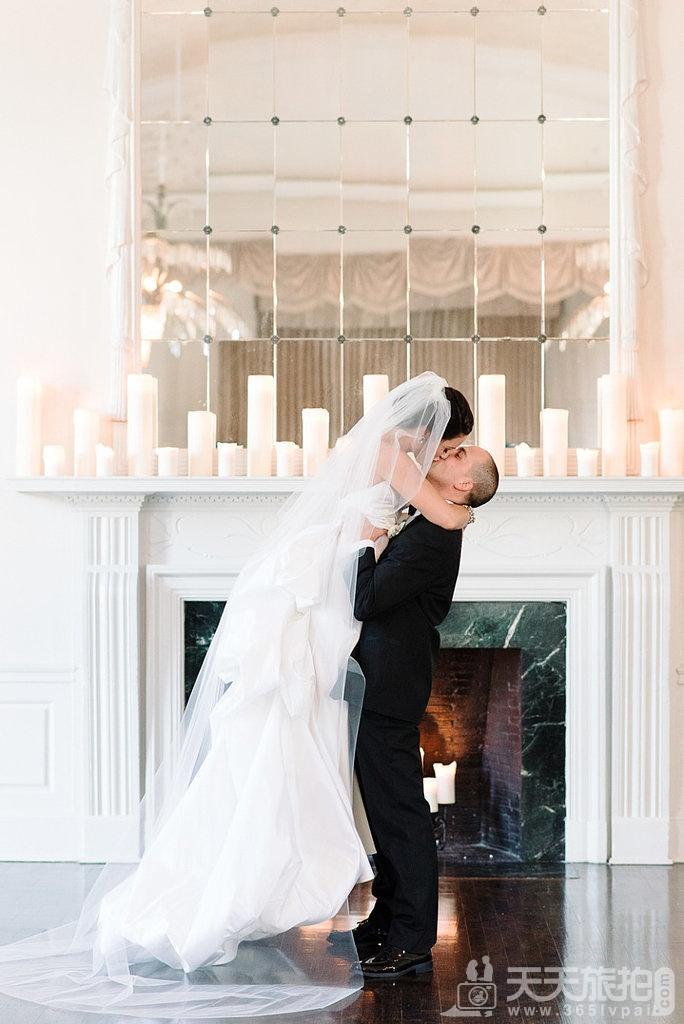23个婚礼拍摄取景技巧 11-being-picked-up