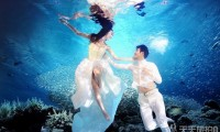 水下婚纱照如何睁眼