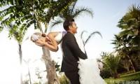 拍外景婚纱照怎样保持妆容