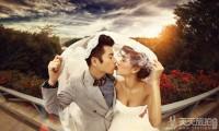 拍婚纱照怎么笑好看