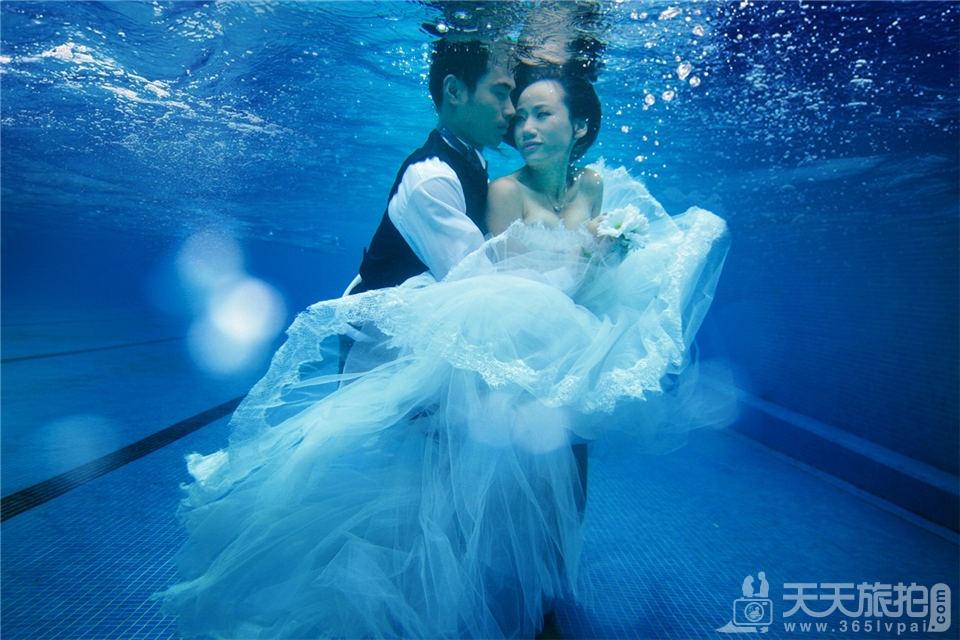 厦门拍水下婚纱照片