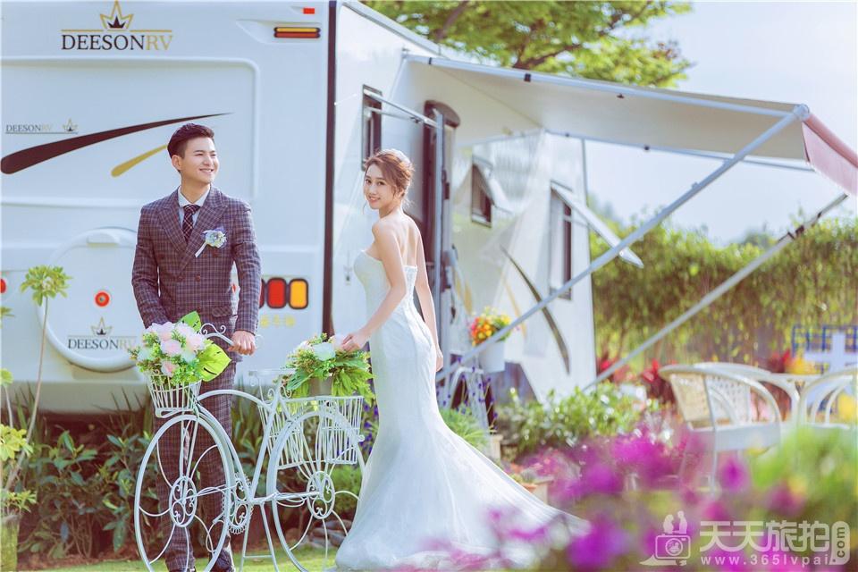 小清新房车婚纱照