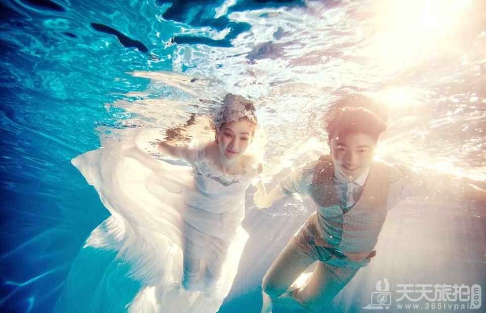 秋季水下婚纱照