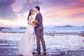 厦门海边沙滩婚纱照 浪漫海景下的婚纱