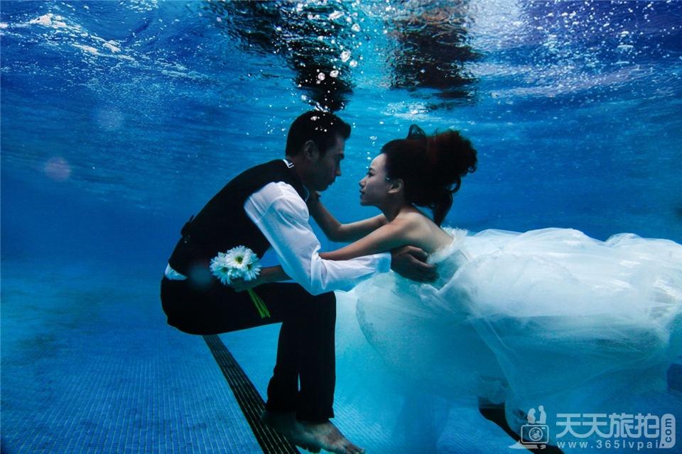 厦门拍水下婚纱照