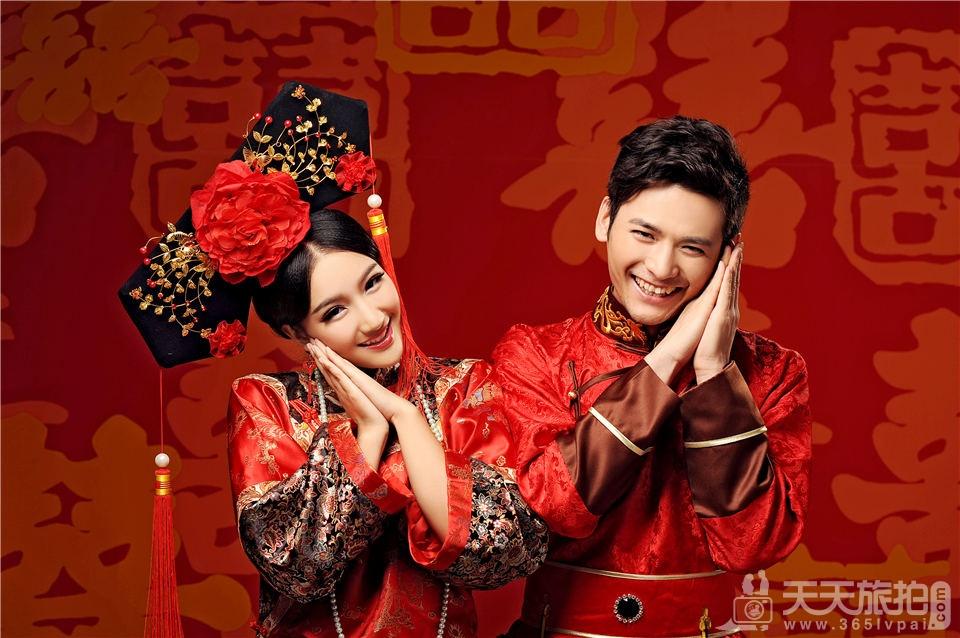 中式宫廷风婚纱照