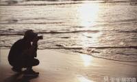 用快门纪录情感 崇尚自然瞬间的艺术摄影家- 红刺猬