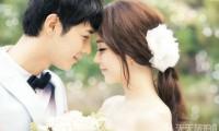 拍摄韩式婚纱照时怎么做可以让新娘有柔美感