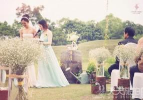 女孩们必看,暮光之城般的超梦幻户外花园婚礼