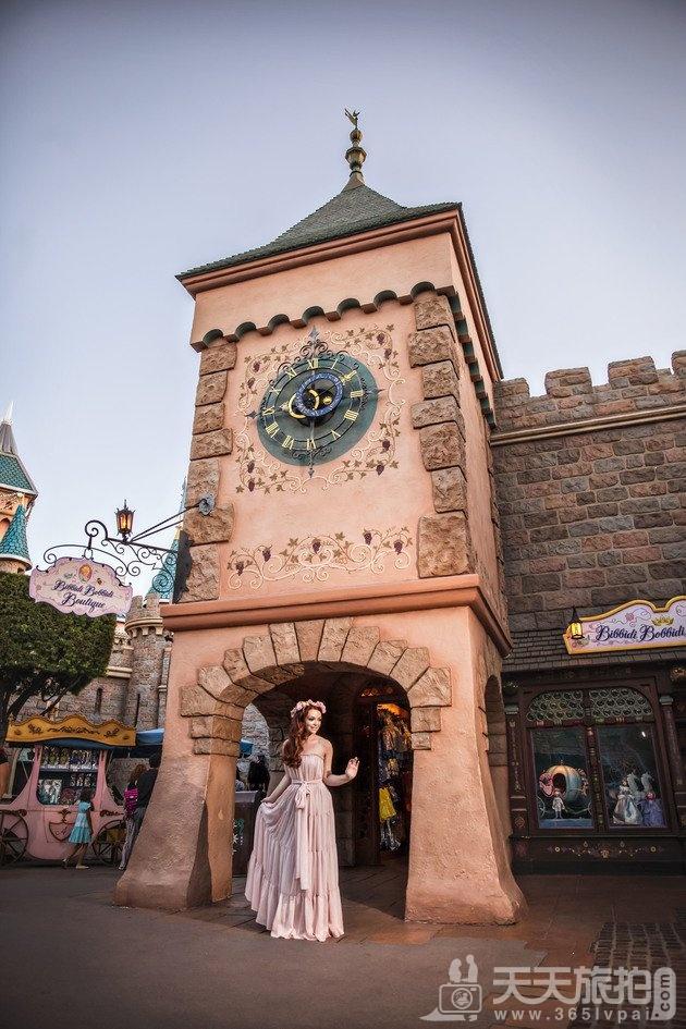 白马王子再等等吧!一个人拍也能很美丽的迪士尼婚纱摄影【8】