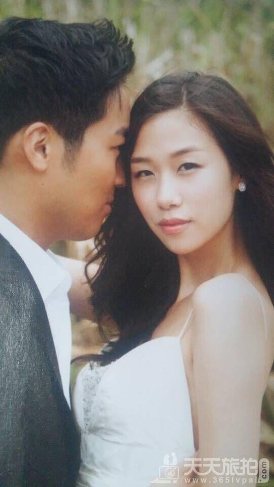 突出新娘的婚纱照1
