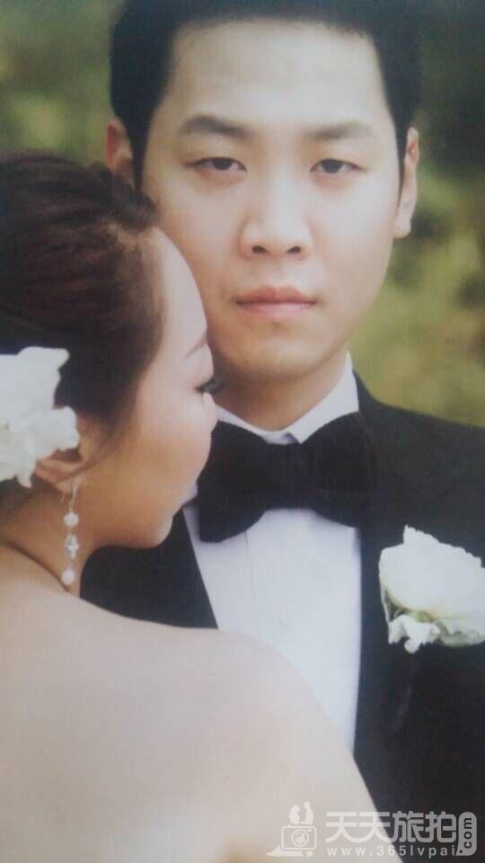 突出新郎的婚纱照2