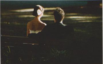婚纱摄影的标准坐姿