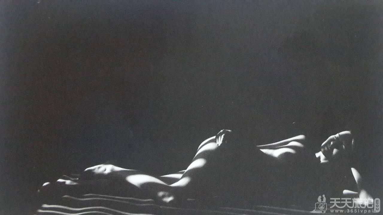 婚纱摄影中利用物体投影营造画面效果的方法【2】