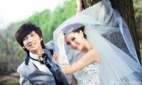 【90后婚纱摄影工作室】教新人在拍摄婚纱照前然后搭配服装