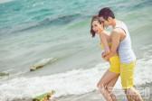 【户外婚纱照】选在海边拍摄应该注意什么