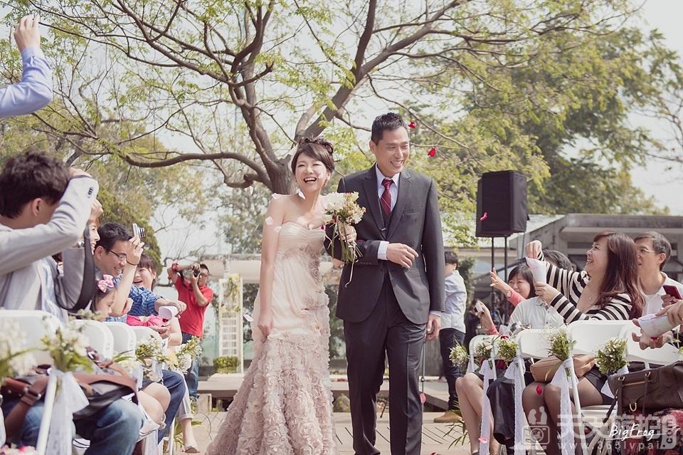 以照片传达善意 捕捉美丽片段的婚礼纪实者【17】