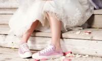 小白鞋配婚纱让妳装嫩年轻10岁 女星疯穿这几双
