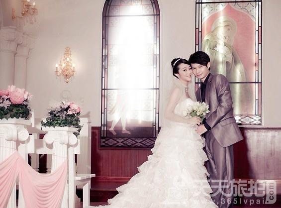 外景婚纱照图片欣赏 缤纷色彩爱的乐章
