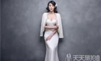 三亚婚纱照小编告诉肩部稍宽的新娘怎么选择婚纱