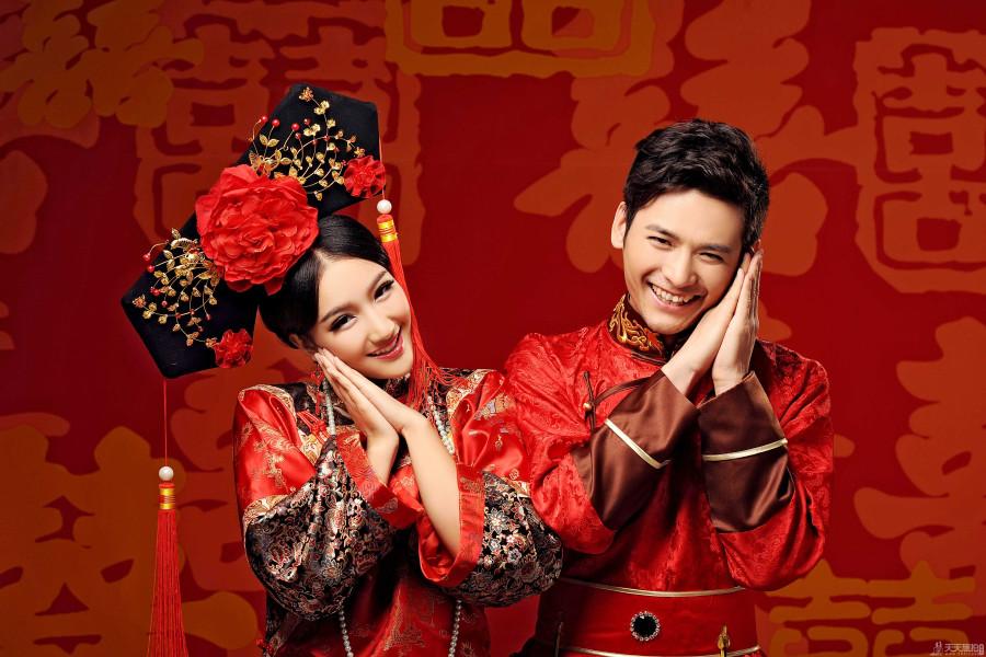 拍中式婚纱照的姿势有哪些 中式婚纱照六大姿势