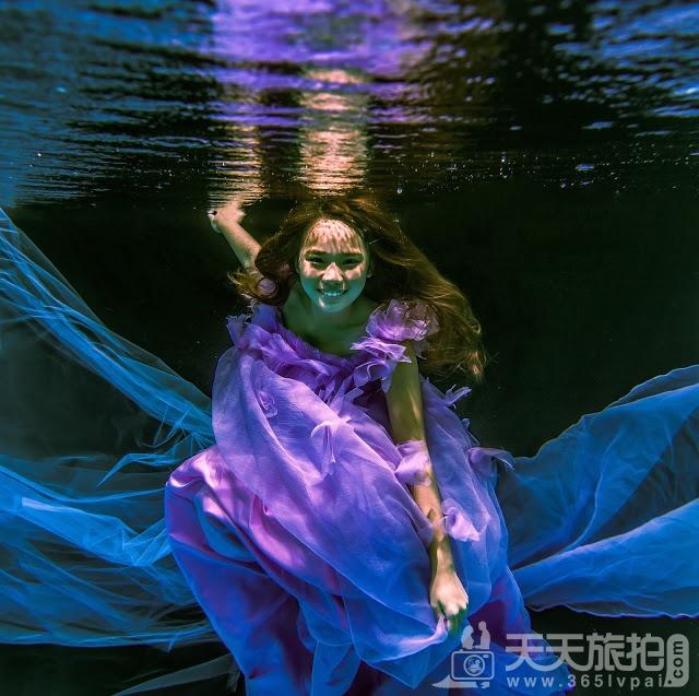 圆美人鱼童话世界梦——水下婚纱照摄影【6】