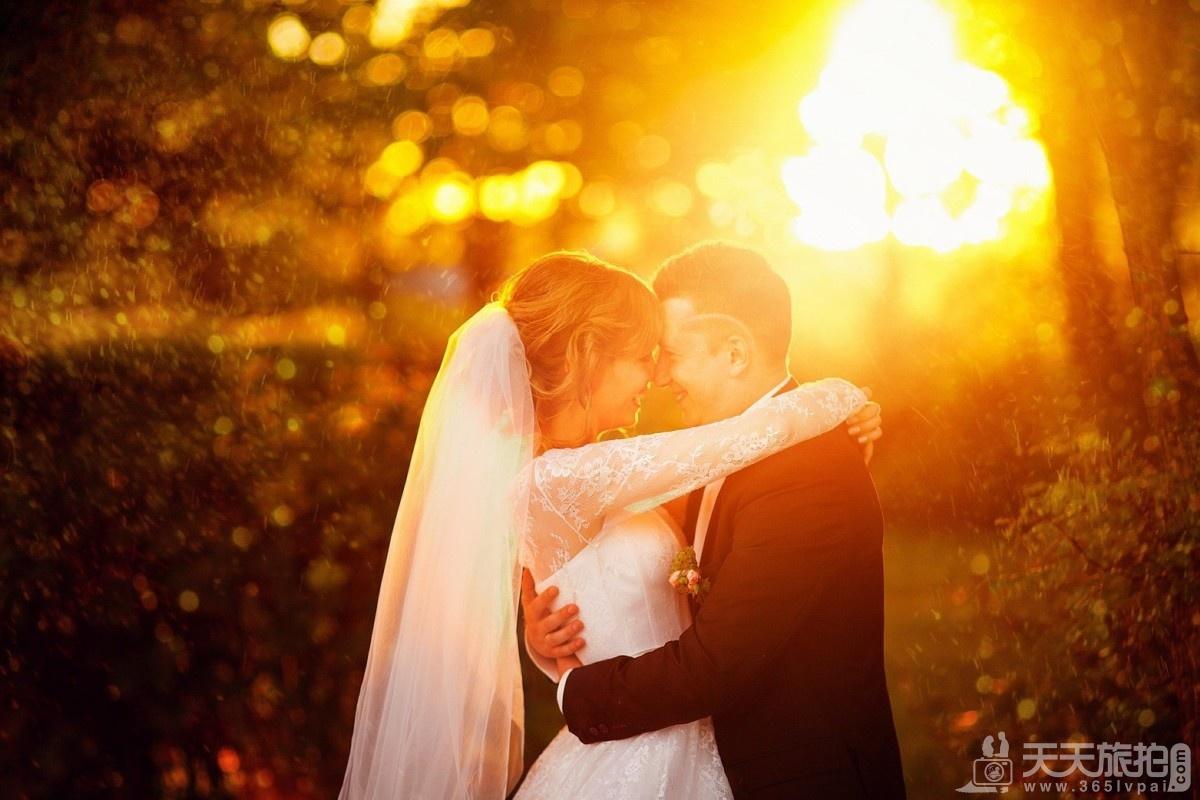 五大逆光婚纱照的拍摄技巧 拍出唯美婚纱照