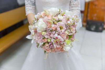 新娘捧花的图片 为自己的婚礼带上祝福