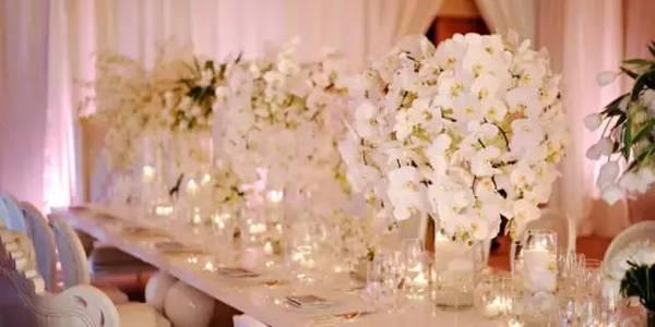 别具一格的时尚婚礼 用这样的桌花才能更美【1】