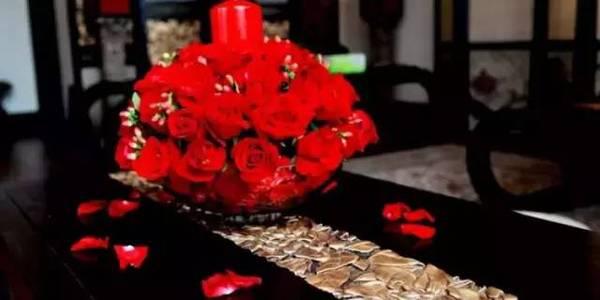 别具一格的时尚婚礼 用这样的桌花才能更美【2】