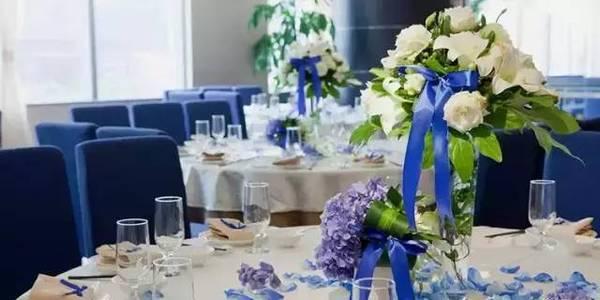 别具一格的时尚婚礼 用这样的桌花才能更美【8】