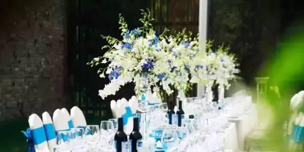 别具一格的时尚婚礼 用这样的桌花才能更美【7】