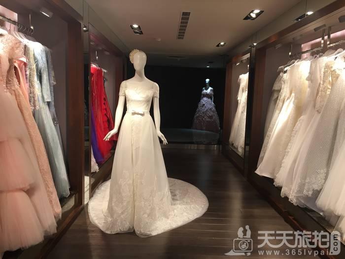 拍婚纱初体验!萝亚新一季超梦幻星空晚礼服独家曝光【4】