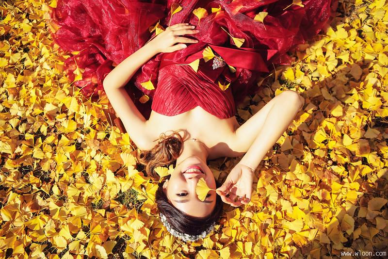 别浪费了秋季的绚烂景色 秋天婚纱照欣赏【1】