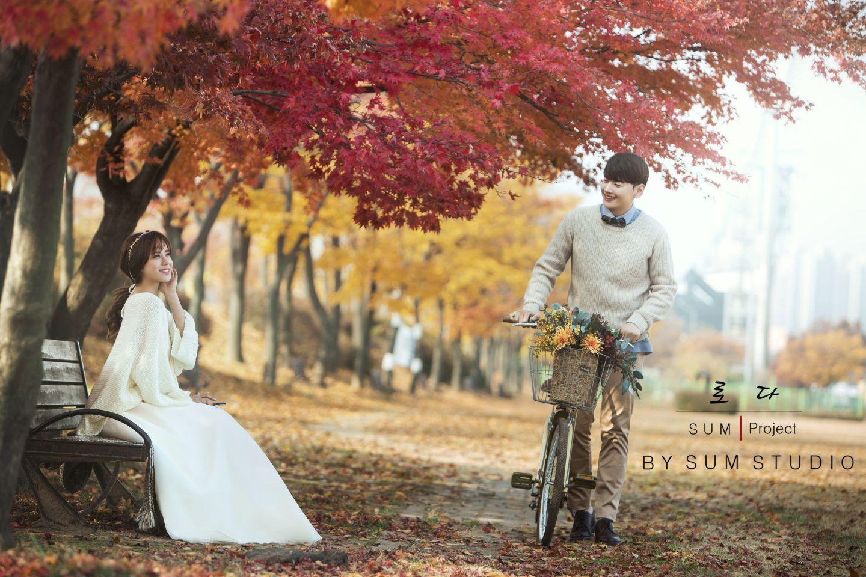 别浪费了秋季的绚烂景色 秋天婚纱照欣赏【2】