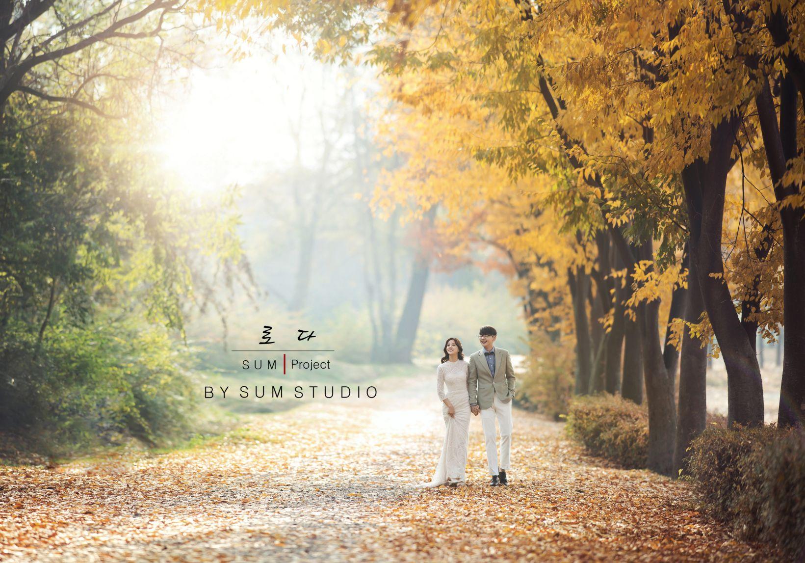 别浪费了秋季的绚烂景色 秋天婚纱照欣赏【3】