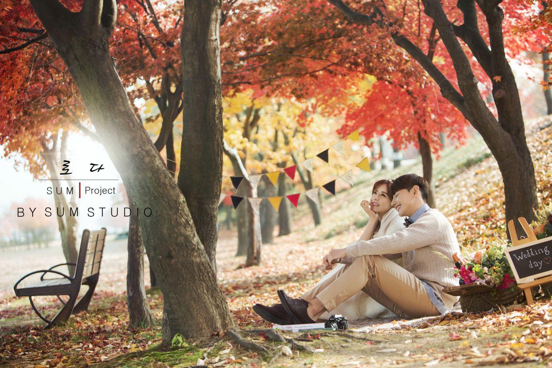 别浪费了秋季的绚烂景色 秋天婚纱照欣赏【5】