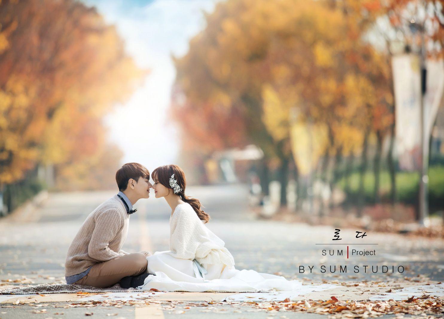 别浪费了秋季的绚烂景色 秋天婚纱照欣赏【7】